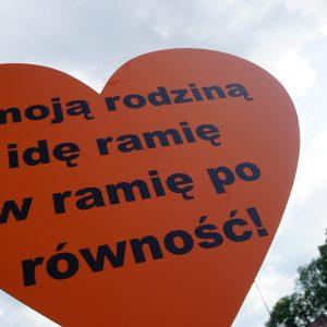 Z sercem w dłoniach na krakowskim marszu